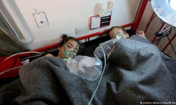 ВСирии применили химическое оружие: через неизвестный газ задохнулось неменее 60 человек