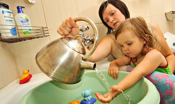 Жителей нескольких районов Киева оставят без горячей воды