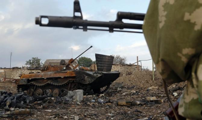В зоне АТО погиб украинский военный трое ранены