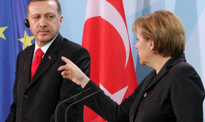 Меркель: Введение смертельной казни вТурции будет концом еепереговоров сЕС