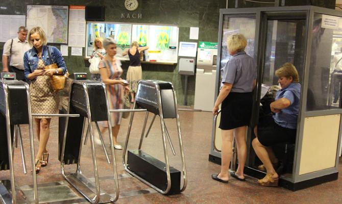 Рука Кремля? Вкиевском метро прояснили причину подорожания проезда