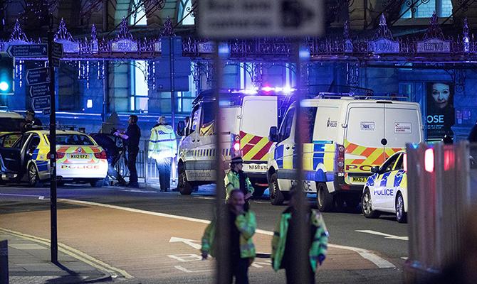 Вестминстерский дворец будет закрыт для посещений после теракта вМанчестере