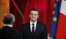 Макрон заявил о намерении вести «требовательный диалог» с РФ по Украине
