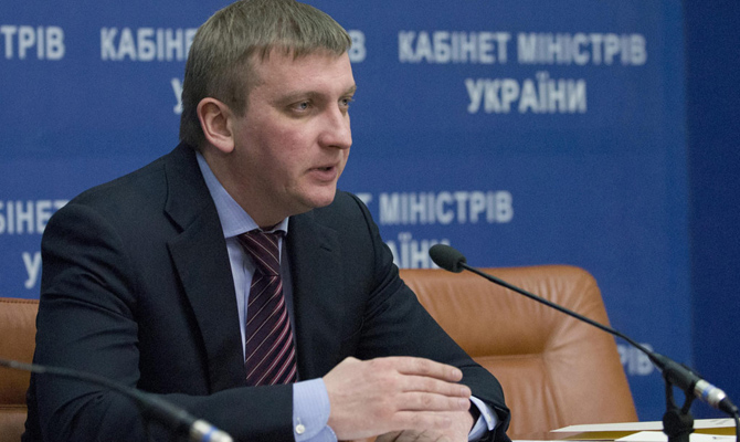Министр Петренко подает всуд наСаакашвили