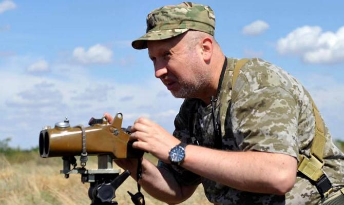 Турчинов вДонбассе пошутил о«взятии Москвы»