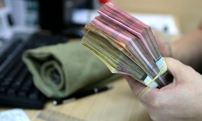 Фонд гарантирования продлил выплаты вкладчикам двух банков