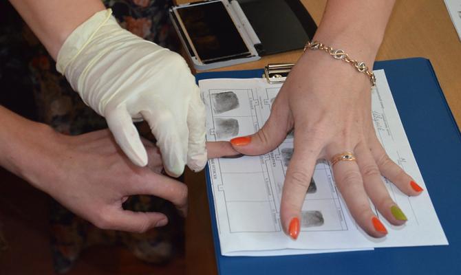 При въезде встраныЕС будут снимать отпечатки пальцев