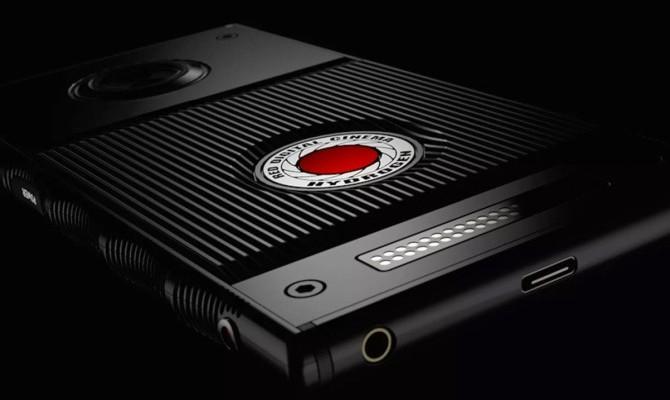 RED намерен выпустить смартфон с голографическим дисплеем