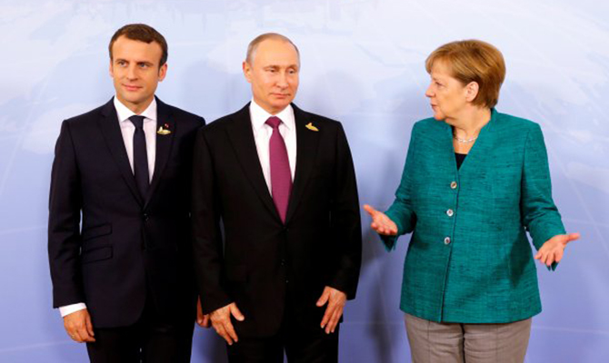 Меркель анонсировала телефонный разговор в«нормандском формате»