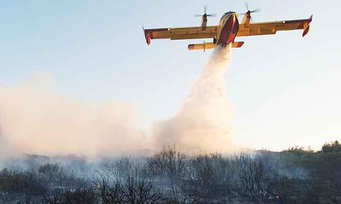 ВЧерногории воперации потушению масштабных лесных пожаров участвует авиация ГСЧС Украины