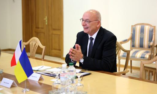 Чехия готова поставлять Украине военную технику- посол