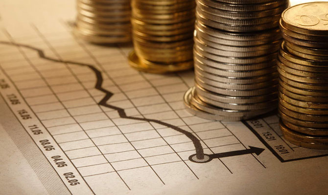 Украинцам все еще трудно инвестировать за рубеж