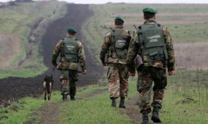 Наукраинско-словацкой границе задержали 24 вьетнамцев-нелегалов, которых вёз словак
