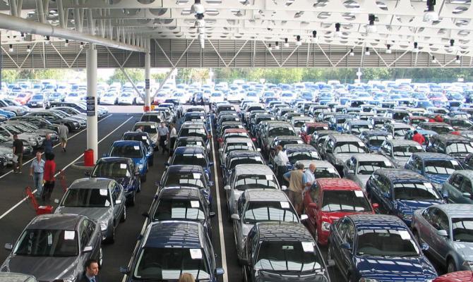Импорт легковых автомобилей вУкраину вырос почти вдва раза