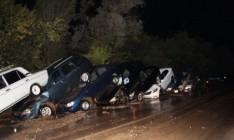 В аннексированном Крыму мощный селевой поток смыл с дороги 15 авто