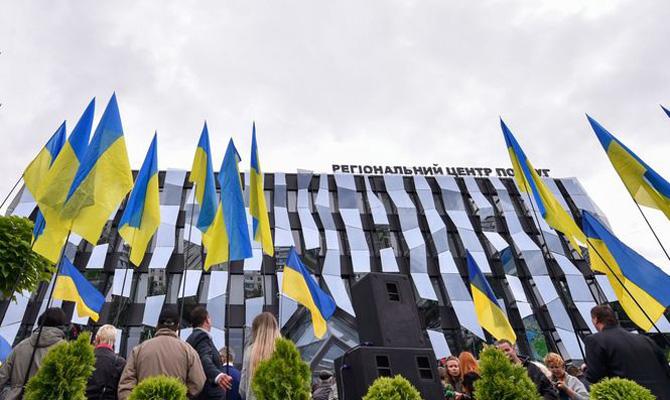 «Япаспорт потерял»: Президент проверил работу нового админцентра вХарькове