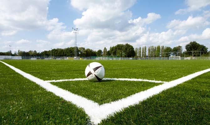 Кабмин направит 270 млн гривен на строительство футбольных полей