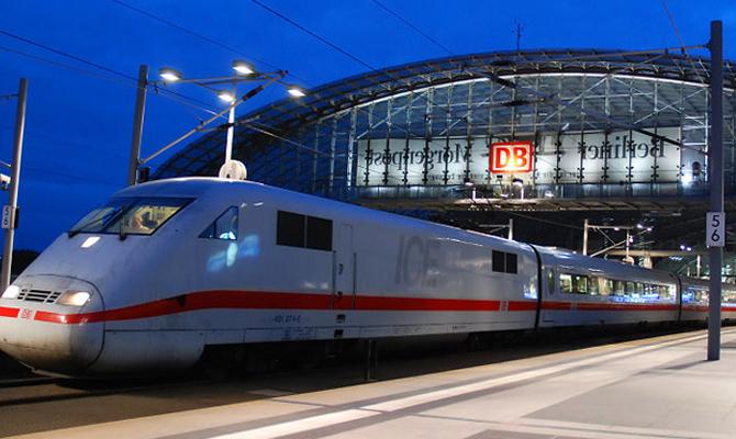 Омелян рассчитывает, что Германия передаст списанные поезда для Укрзализныци бесплатно