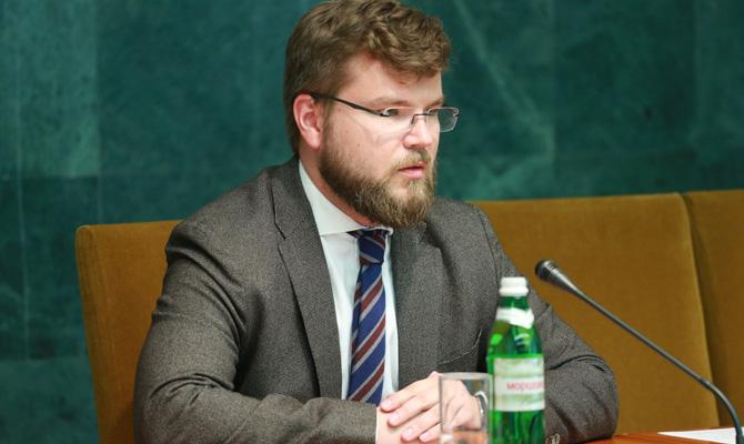 Кабмин утвердил нового руководителя «Укрзализныци» с заработной платой в700 тыс.