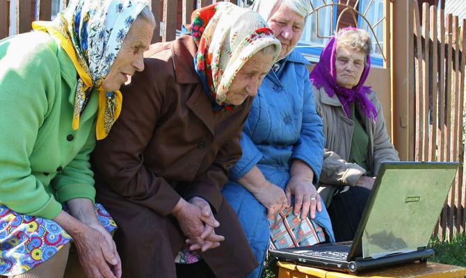 Порошенко призвал обеспечить села скоростным интернетом