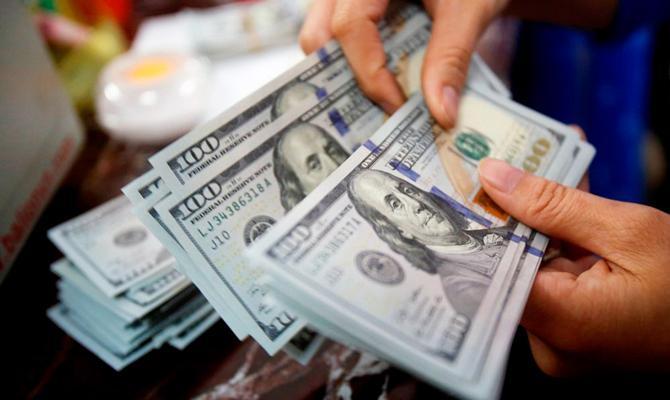 Впервые c 2015 года украинцы купили больше валюты, чем продали