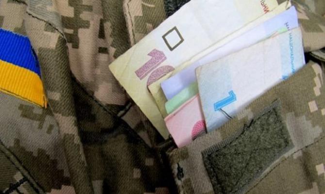 Кабмин увеличил помощь семьям погибших военных до 1,2 млн грн