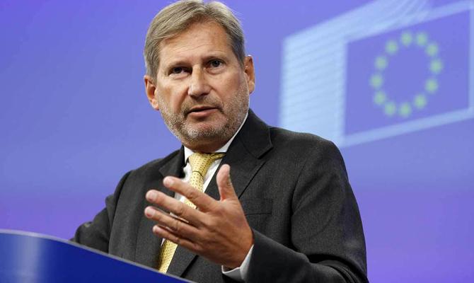 Еврокомиссар призвал расследовать запугивания инападения на репортеров вУкраинском государстве