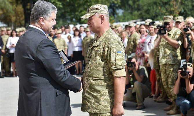 Порошенко объявил онамерении Украинского государства установить безвизовый режим срядом стран