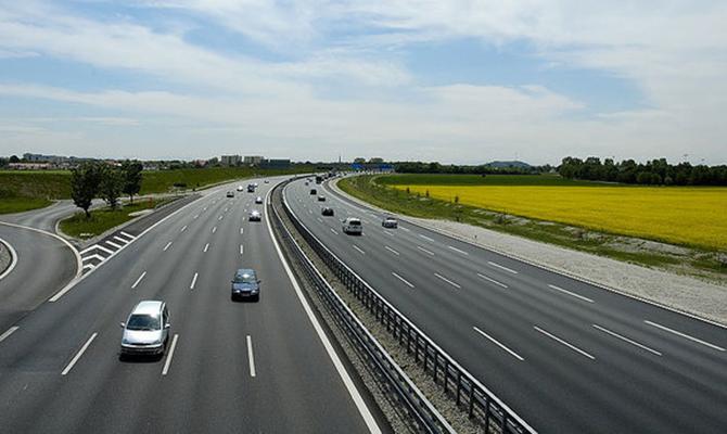 С1января скорость движения внаселенных пунктах уменьшат до50 км/ч