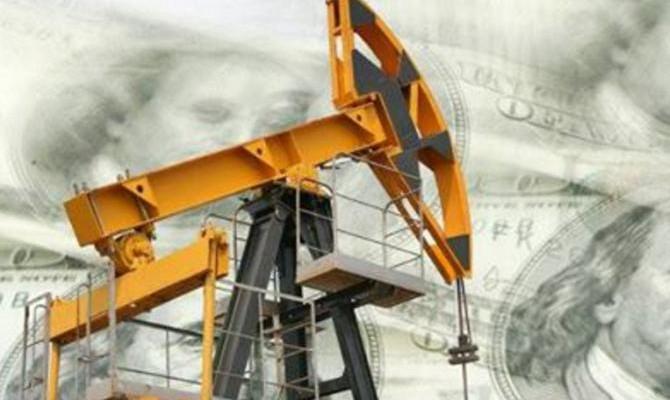 Цены нанефть понижаются  после роста накануне
