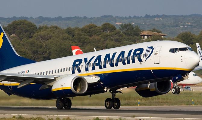 ВоЛьвов могут зайти британский лоукостер easyJet ииспанская авиакомпания