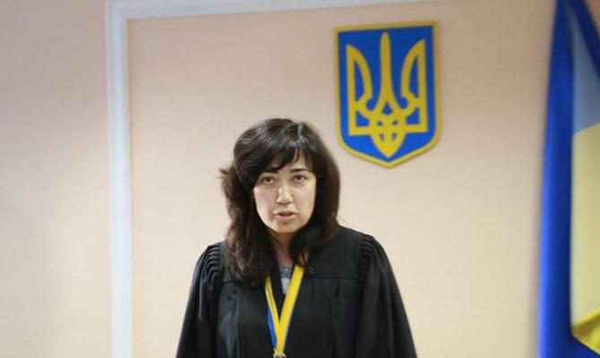 Саакашвили продолжает настаивать напреследовании судьи, которая его отпустила