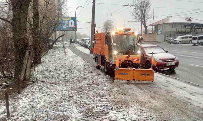 На борьбу со снегом Киев тратит 1,7 миллиона в день