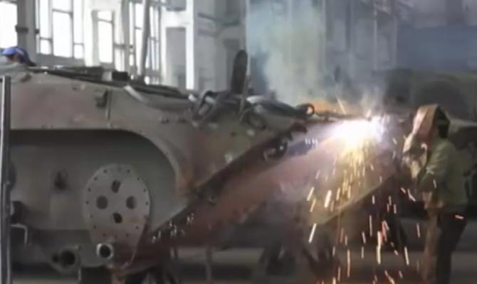 «Укроборонпром» назвал количество переданной войскам техники и вооружений в 2017