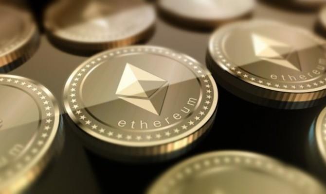 Ethereum впервые перевалил за $1000