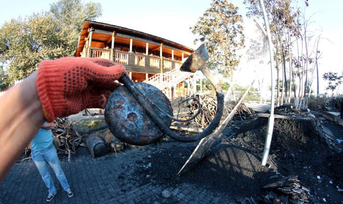 Исследования установили 4 возможных причины пожара в лагере Виктория