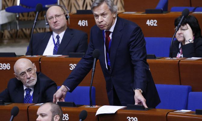 Руководитель МИД Германии предложил отменять санкции противРФ поэтапно