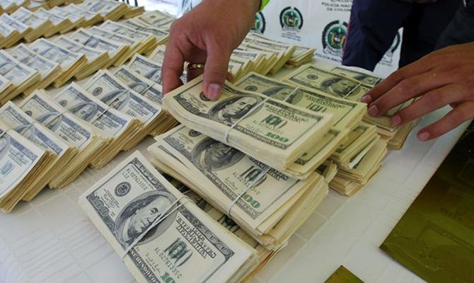 Нацбанк Украины за год купил почти $2,3 миллиарда