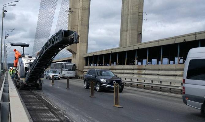 В Киеве перекроют три моста через Днепр