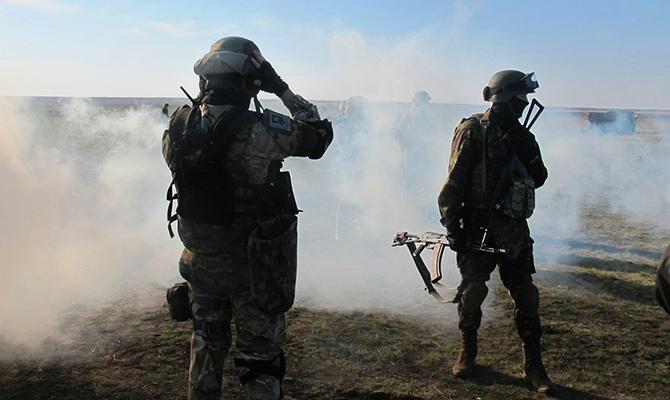 Боевики снова бьют из запрещенного оружия ранили двух бойцов АТО