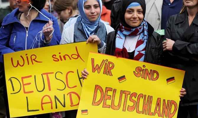 Германия заканчивает прием заявок наполучение укрытия для беженцев