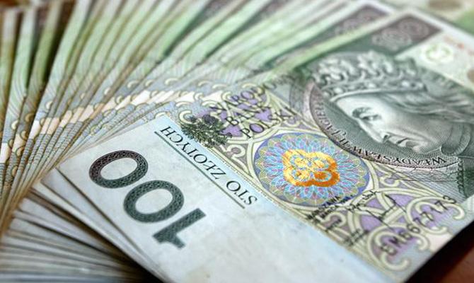 Украинцы изПольши перечислили домой неменее 3 млрд злотых затри месяца