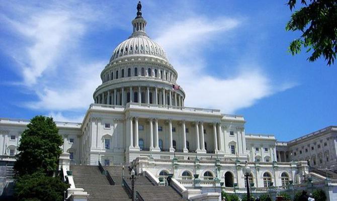 «Шатдаун» вСША: Палата Конгресса США приняла очередной кратковременный бюджет