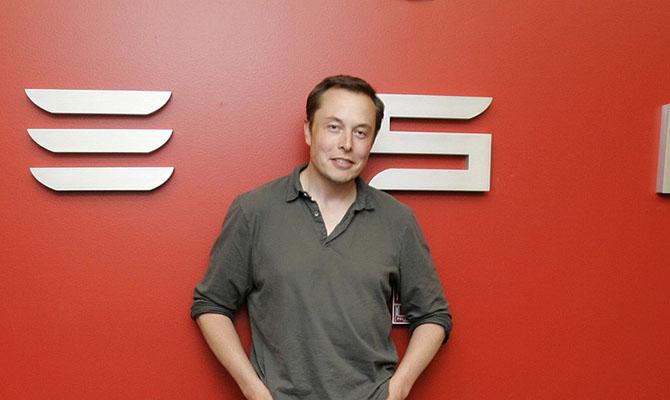 Илон Маск продемонстрировал последнее фото Tesla изкосмоса