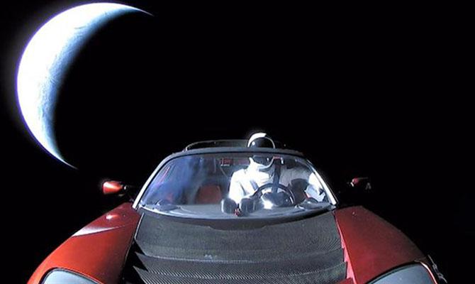 Астрономы: Tesla Илона Маска не долетит до астероидов