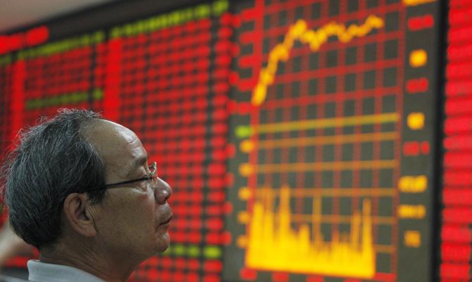 Китайский рынок акций понес наибольшие недельные потери за два года