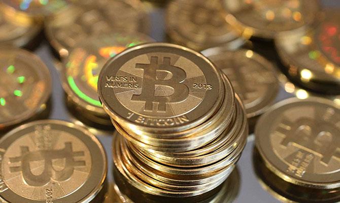 Bitcoin за сутки подорожал до $8,9 тысяч