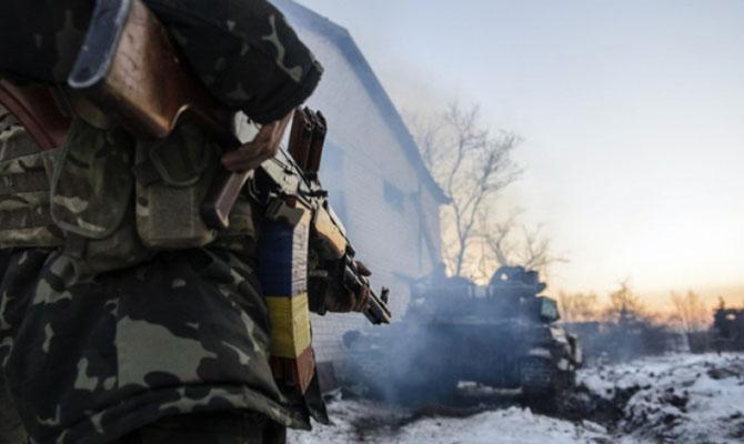 Недруг иззапрещенных минометов стрелял попозициям ВСУ около Луганского— АТО