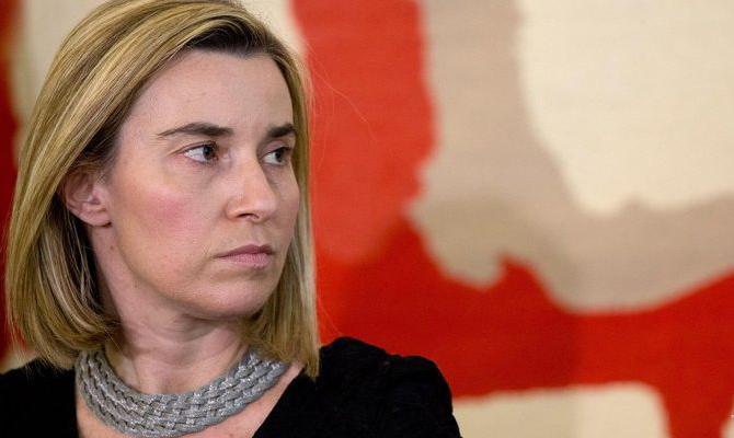 Могерини: ЕСготов поддержать ввод миротворцев вДонбасс