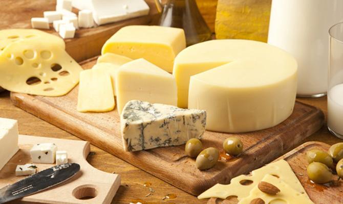 Украина в январе-феврале увеличила импорт сыров на 44,4%